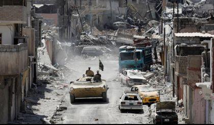 قائد عسكري: تقارب المنازل وضيق الشوارع تؤخران استعادة ما تبقى من الموصل