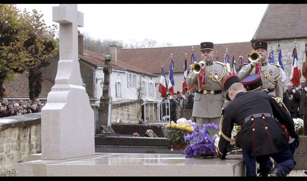 تعرض ضريح شارل ديغول في فرنسا للتخريب