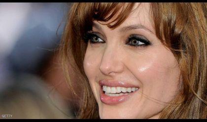 أنجلينا جولي تصنع أبطالا من هامش الحياة
