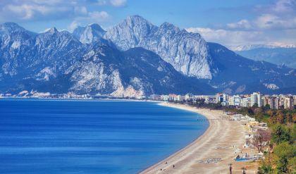 زلزال بقوة 5.2 درجات على مقياس ريختر يضرب ساحل أنطاليا في تركيا