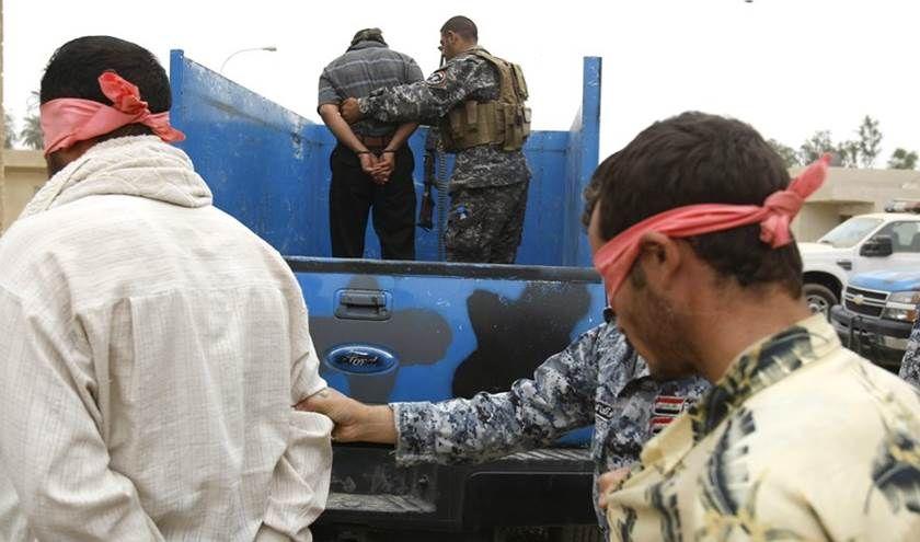 اعتقال 4 من المشتبه بهم والعثور على 12 حزاما ومتفجرات في الموصل