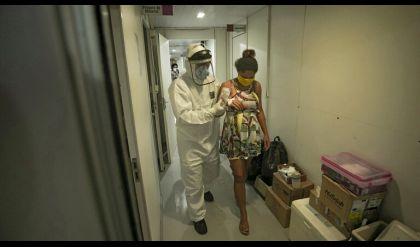 بعد تطعيم أمريكا 90 ألف حامل.. بريطانيا تدعو الحوامل للتلقيح ضد كورونا
