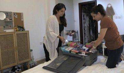 لبنانيون في الإمارات يساعدون عائلاتهم في بلدهم المنهار اقتصاديا