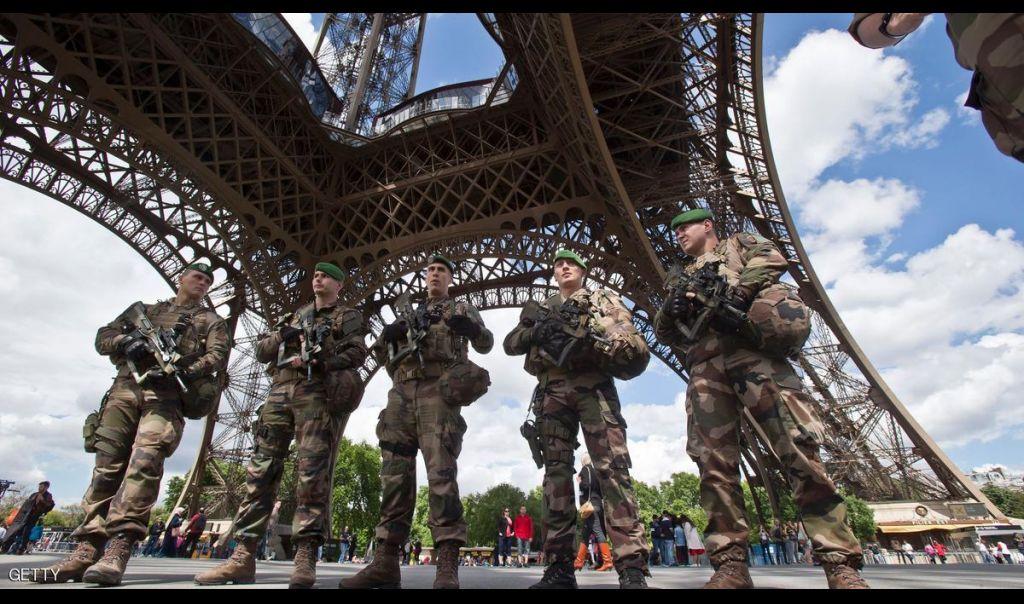فرنسا تحقق باقتحام برج إيفل من قبل إرهابي مولود في موريتانيا