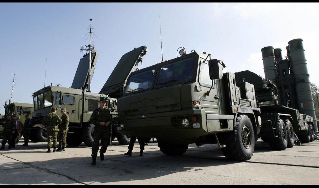 طائرات شحن عسكرية روسية تنقل منظومة