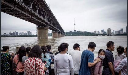 الفيضانات تودي بحياة عشرات الأشخاص في الصين