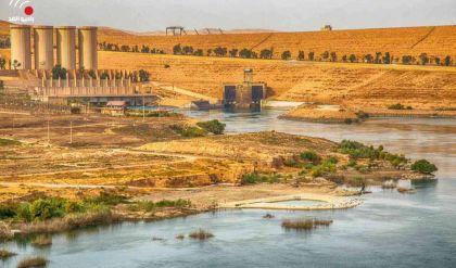 بالصور .. ارتفاع منسوب مياه نهر دجلة بسبب فتح عدد من بوابات سد الموصل