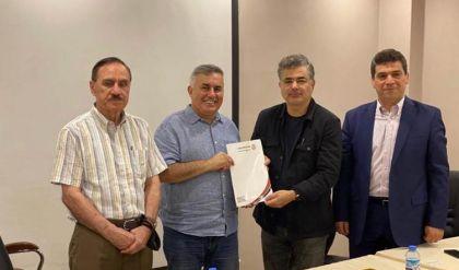 العراق يجدد عقد مدربه كاتانيتش لعام آخر مع خفض رواتبه السابقة