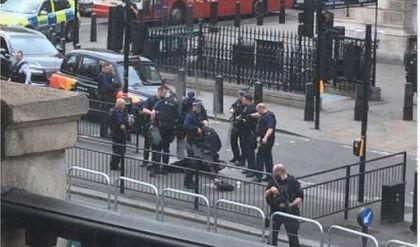 استنفار أمني وسط لندن واعتقال مسلح بسكاكين