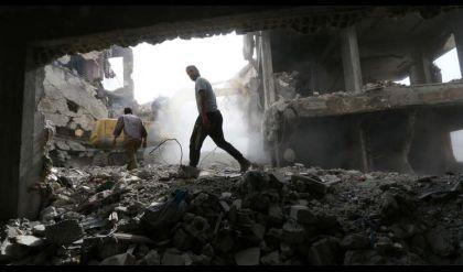 مقتل 9 مدنيين بانفجار لغم وسيارتين مفخختين في مدينة الرقة السورية