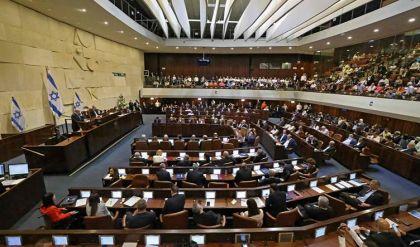 البرلمان الإسرائيلي يصوت على ائتلاف حكومي جديد يطيح بنتانياهو