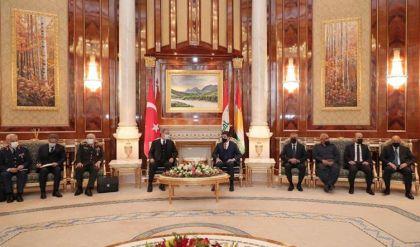 نيجيرفان بارزاني وخلوصي آكار يؤكدان على تعاون بغداد وأربيل وأنقرة بحفظ استقرار المنطقة