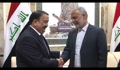 وزير الدفاع يستقبل معاون نظيره الايراني لشؤون الاتصالات الالكترونية