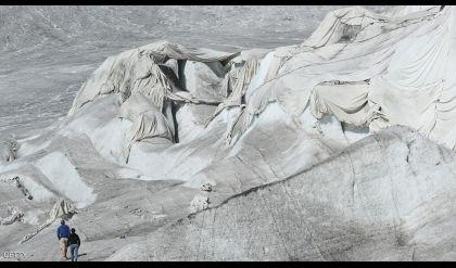 الانهيارات الجليدية بسويسرا تكشف مئات الجثث