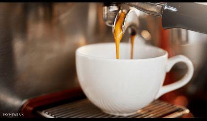 النساء الحوامل وشرب القهوة.. دراسة طبية تحسمُ الجدل