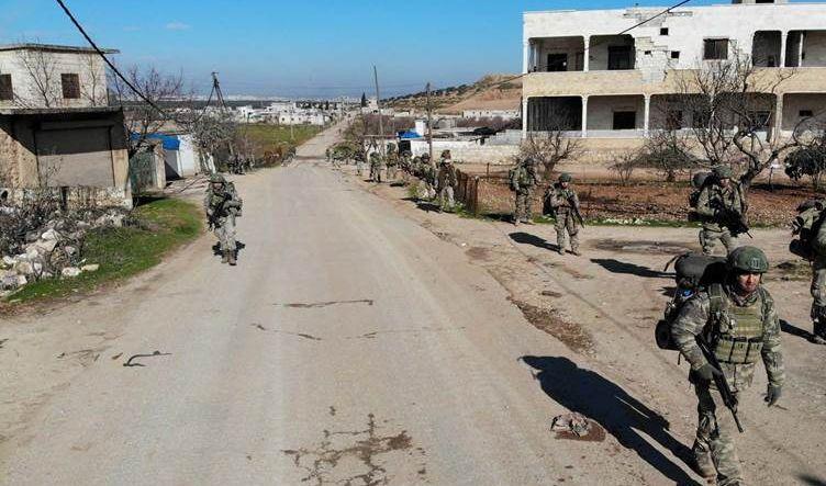 سوريا .. مسلحون يطلقون النار على جنود أتراك في مدينة أريحا متسببين بوقوع جرحى