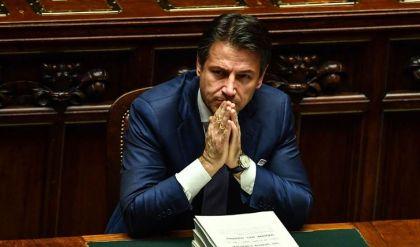 استقالة رئيس وزراء إيطاليا جوزيبي كونتي من منصبه