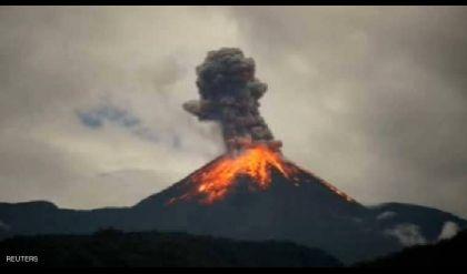 تسجيل مذهل لانفجارات البركان المشاكس