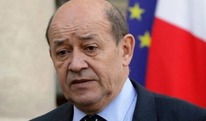 وصول وزير الخارجية الفرنسي الى بغداد