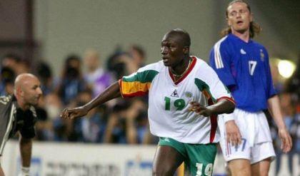 وفاة صاحب هدف إفتتاح كأس العالم 2002