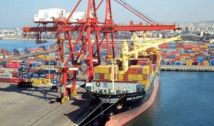 الاقتصادية النيابية: استمرار العراق بمنح تسهيلات كمركية سيضر السوق
