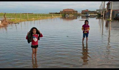 الصليب الأحمر: عقوبات واشنطن ضد طهران غير إنسانية وتمنع مساعدة ضحايا الفيضانات