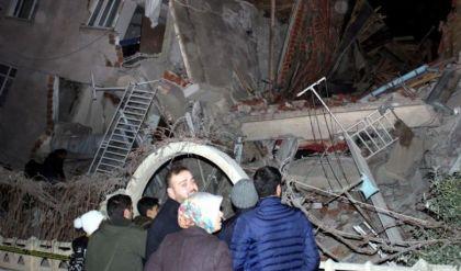 السلطات التركية: ارتفاع حصيلة الزلزال إلى 14 قتيلا