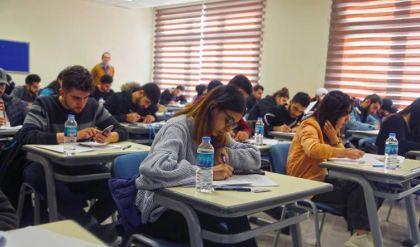 التعليم العالي: خفض الرسوم بالجامعات الأهلية تسبب بنقص عدة مليارات في ميزانياتها