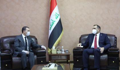 العراق وتركيا يبحثان مشروعي ميناء الفاو وإعمار مطار الموصل