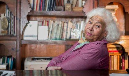 وفاة الطبيبة والكاتبة المصرية النسوية البارزة نوال السعداوي عن 89 عاماً