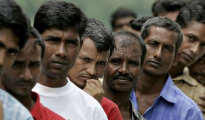 وزير العمل: 18 ألف بنغالي في مصفى كربلاء مقابل 2000 عامل عراقي
