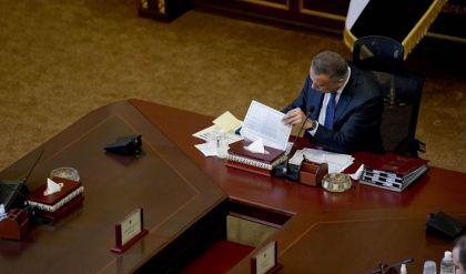 الكاظمي يؤكد عدم تنازل الحكومة عن إجراء الانتخابات في موعدها المحدد