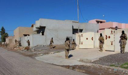الدواعش يحتلون منازل المدنيين في الموصل مع تراجعهم وهزيمتهم
