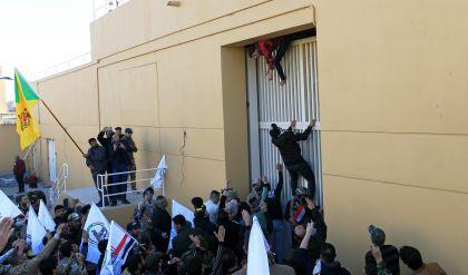 الحشد الشعبي يدعو أنصاره للانسحاب من محيط السفارة الأمريكية في بغداد