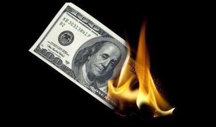 النقد الدولي: تراجع حصة الدولار في الاحتياطيات العالمية
