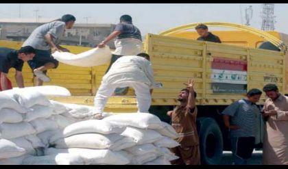 التجارة تجهز مناطق الساحل الايسر في الموصل بمادة الطحين
