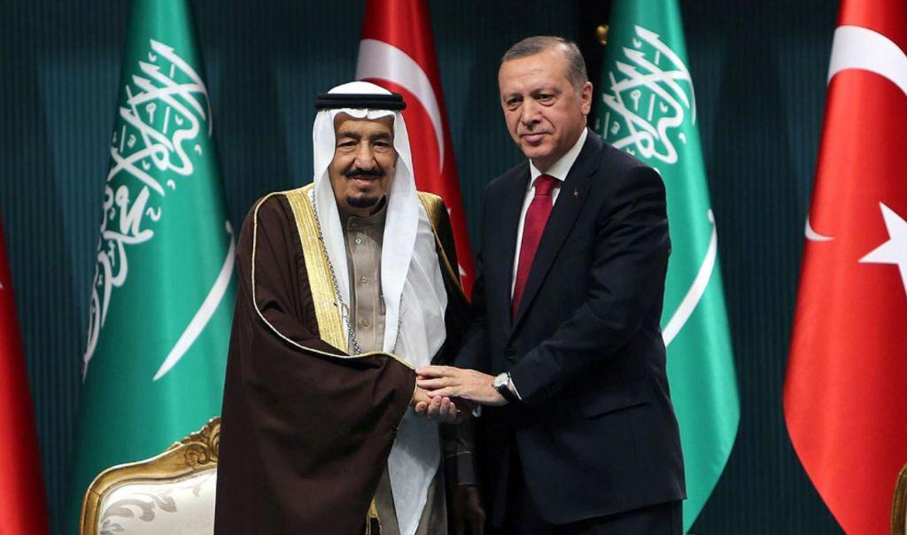 ملك السعودية يتصل بالرئيس التركي ويبحثان العلاقات الثنائية