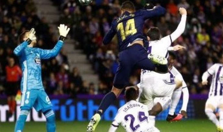 ريال مدريد يهزم بلد الوليد ويتصدر الليغا