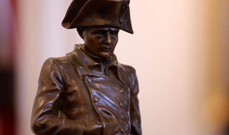 فرنسا تحيي ذكرى مرور 200 عام على وفاة نابوليون الشخصية المثيرة للجدل