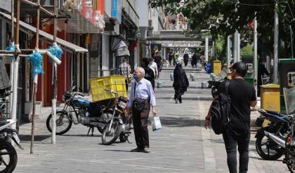 حصيلة الوفيات كورونا في إيران تتجاوز المئة ألف