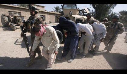 اعتقال عصابة من 9 أشخاص تتاجر بالمخدرات في أيمن الموصل