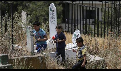 اللاجئون السوريون.. معاناة فوق الأرض وتحتها