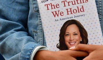 مبيعات كتب هاريس ترتفع بعد انتخابها نائبة للرئيس الأميركي