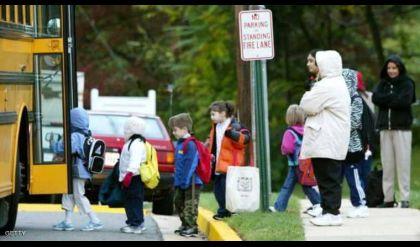 غرامة باهظة لأهالي المتأخرين على المدارس في بريطانيا