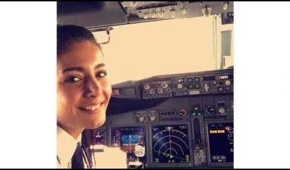 أول فتاة عراقية تحصل على ترخيص قيادة طائرة بعد 2003