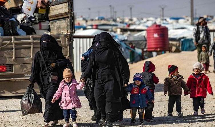 نائب يكشف مصير نقل 100 من عوائل داعش من مخيم الهول إلى الموصل