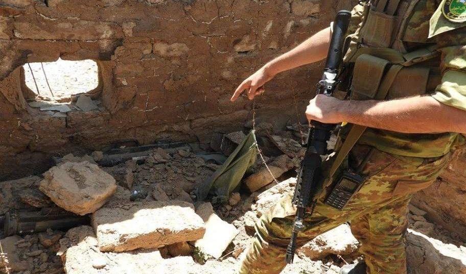 ضبط صواريخ (غراد) وعبوات ناسفة داخل منزل جنوب الموصل