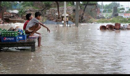 مصرع 127 شخصا جراء الفيضانات في ولاية بيهار شرق الهند