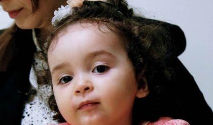 حاكم دبي محمد بن راشد يستجيب لمناشدة أم عراقية لعلاج طفلتها