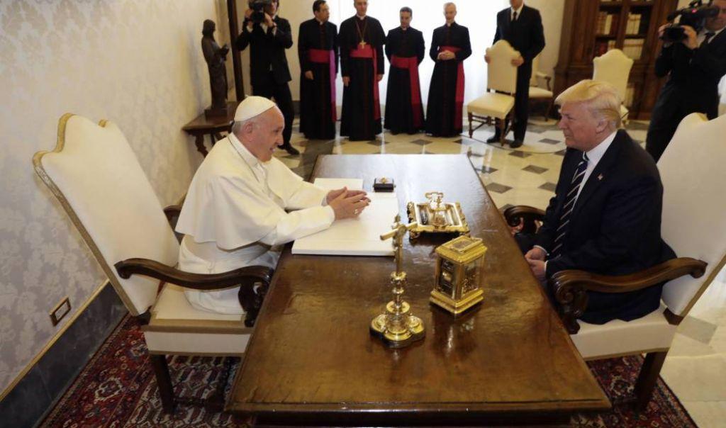 الرئيس الاميركي يلتقي البابا فرنسيس في الفاتيكان